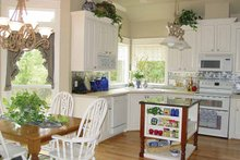 Traditional Interior - Kitchen Plan #42-670