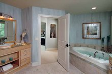 Craftsman Interior - Master Bathroom Plan #928-18