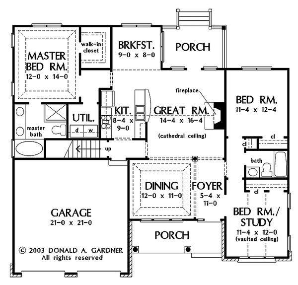 Traditional Floor Plan - Main Floor Plan Plan #929-58