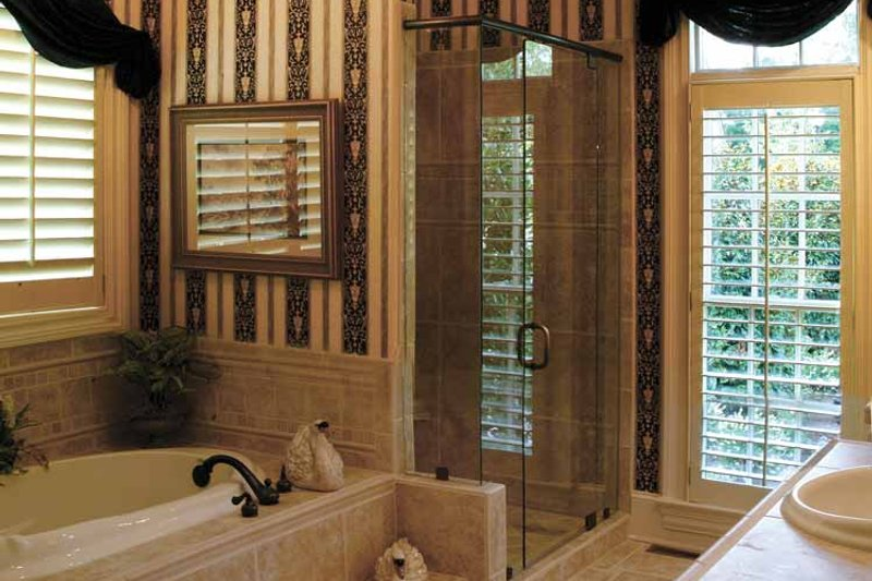 Craftsman Interior - Bathroom Plan #453-382 - Houseplans.com