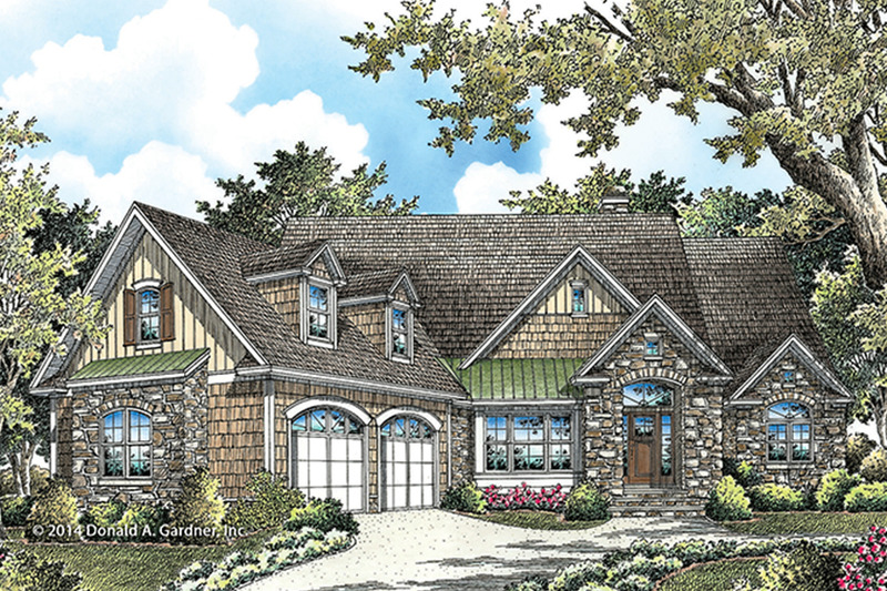 Traditional Exterior - Front Elevation Plan #929-980 - Houseplans.com