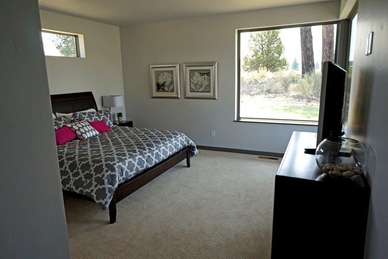 Contemporary Interior - Bedroom Plan #892-15 - Houseplans.com