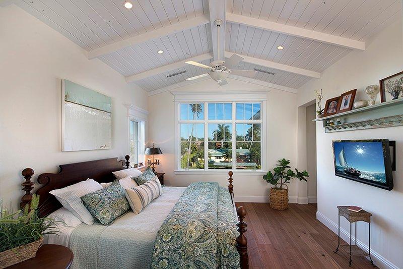 Country Interior - Master Bedroom Plan #1017-168 - Houseplans.com