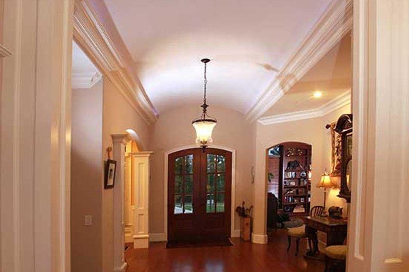 Country Interior - Entry Plan #927-409 - Houseplans.com