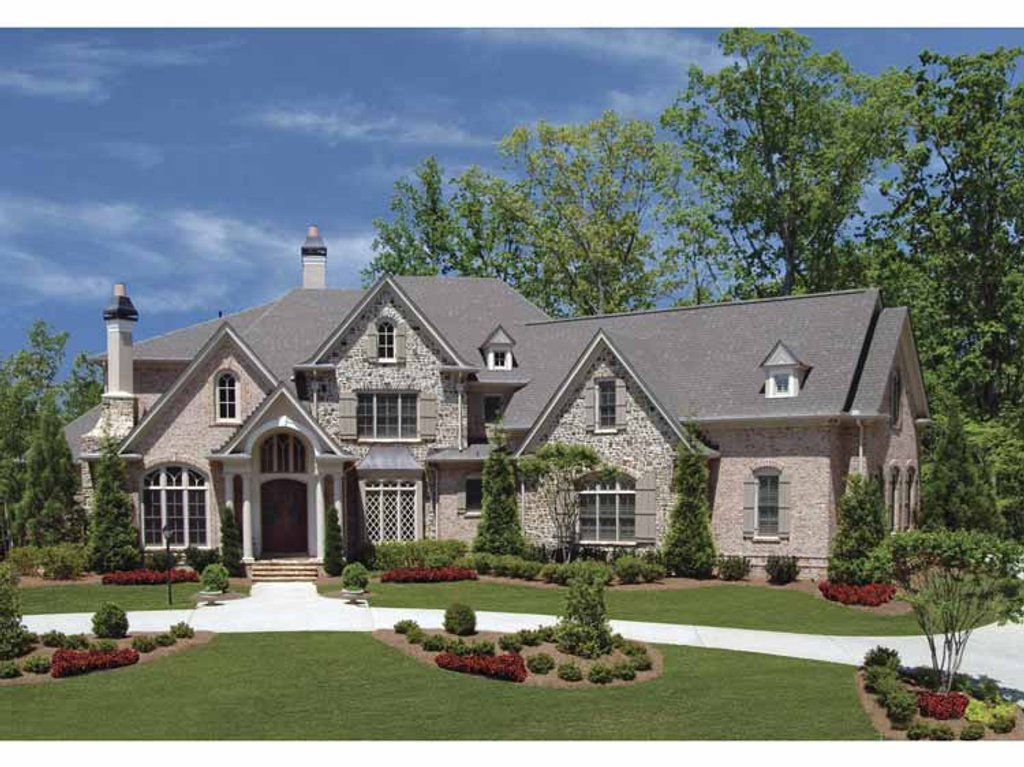 Country style house plan 4 beds 4 5 baths 3944 sq ft for French country ranch home plans