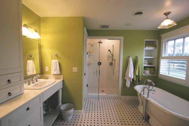 Craftsman Interior - Master Bathroom Plan #928-39 - Houseplans.com