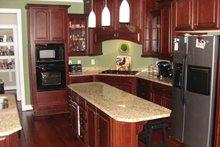 Colonial Interior - Kitchen Plan #927-866