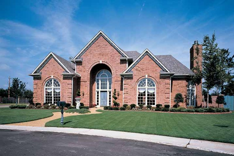 Traditional Exterior - Front Elevation Plan #952-29 - Houseplans.com