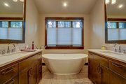 Craftsman Style House Plan - 4 Beds 5.5 Baths 4412 Sq/Ft Plan #892-28 Interior - Bathroom