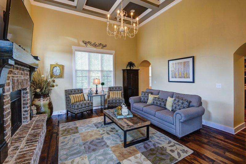 Interior - Family Room Plan #927-362 - Houseplans.com