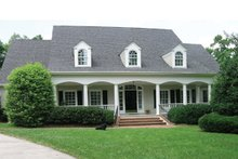 House Plan Design - Classical Exterior - Front Elevation Plan #137-298
