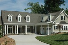 Dream House Plan - Country Exterior - Front Elevation Plan #927-402