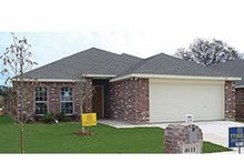 House Plan Design - Traditional Exterior - Front Elevation Plan #84-753