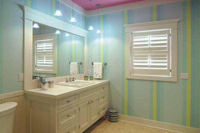 Craftsman Interior - Bathroom Plan #928-48 - Houseplans.com
