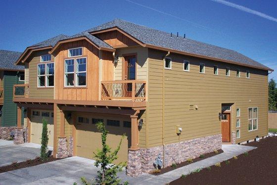 Craftsman Exterior - Front Elevation Plan #943-37