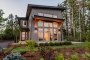 Contemporary Style House Plan - 3 Beds 2.5 Baths 2102 Sq/Ft Plan #1070-14 Exterior - Front Elevation