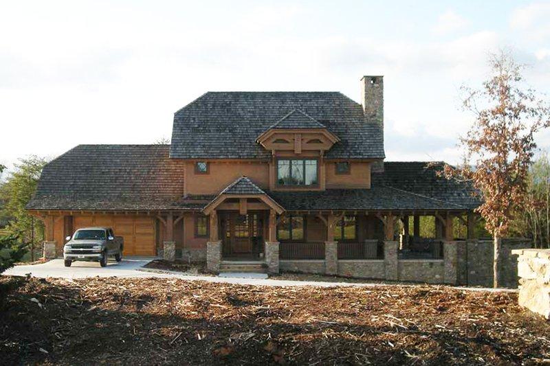 Craftsman Exterior - Front Elevation Plan #942-26