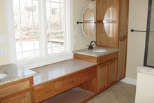 Traditional Interior - Master Bathroom Plan #939-3