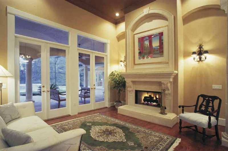 Mediterranean Interior - Family Room Plan #1039-3 - Houseplans.com
