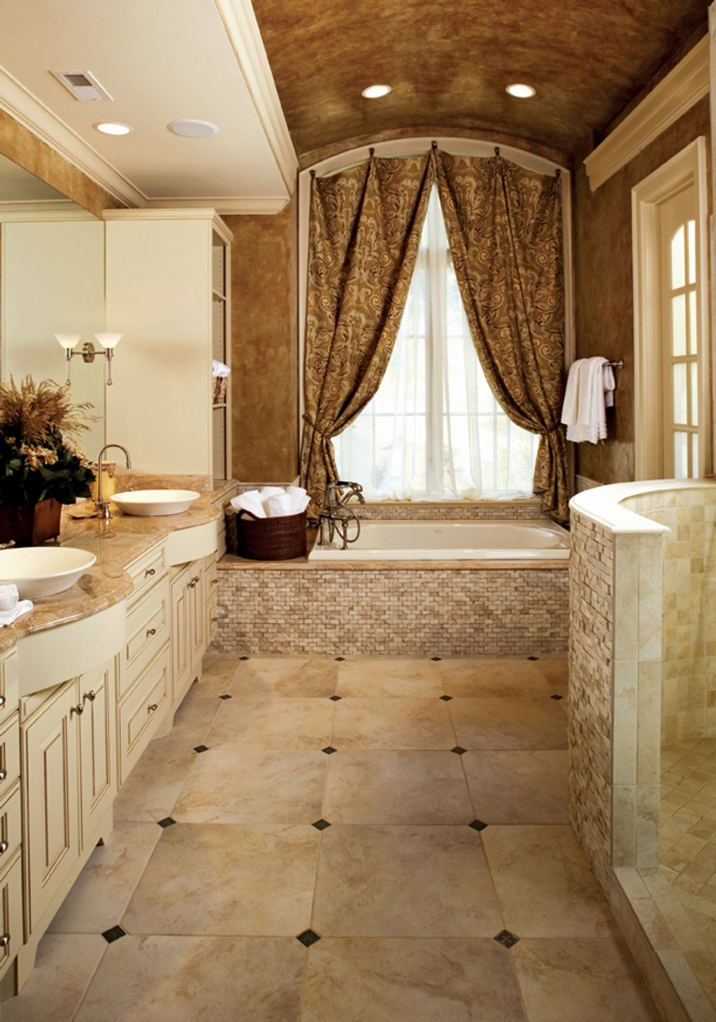 European Style House Plan 5 Beds 5 Baths 4357 Sq Ft Plan
