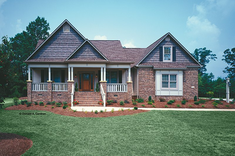 Country Exterior - Front Elevation Plan #929-577 - Houseplans.com