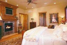 Craftsman Interior - Master Bedroom Plan #942-16