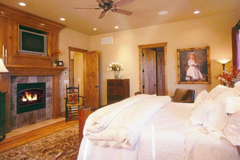 Craftsman Interior - Master Bedroom Plan #942-16 - Houseplans.com