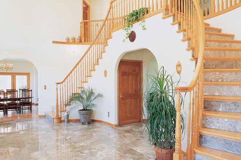 Contemporary Interior - Entry Plan #72-872 - Houseplans.com