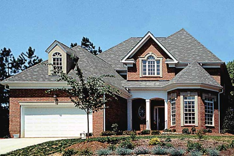 Traditional Exterior - Front Elevation Plan #453-399 - Houseplans.com