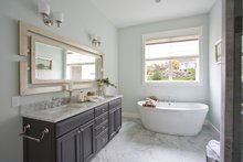 Traditional Interior - Master Bathroom Plan #928-271