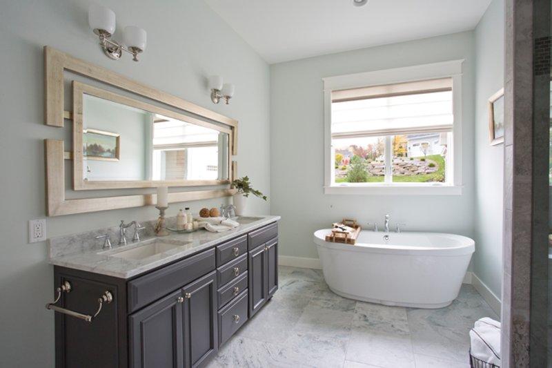 Traditional Interior - Master Bathroom Plan #928-271 - Houseplans.com