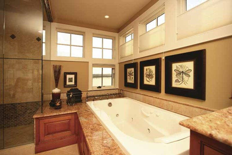 Craftsman Interior - Bathroom Plan #132-485 - Houseplans.com