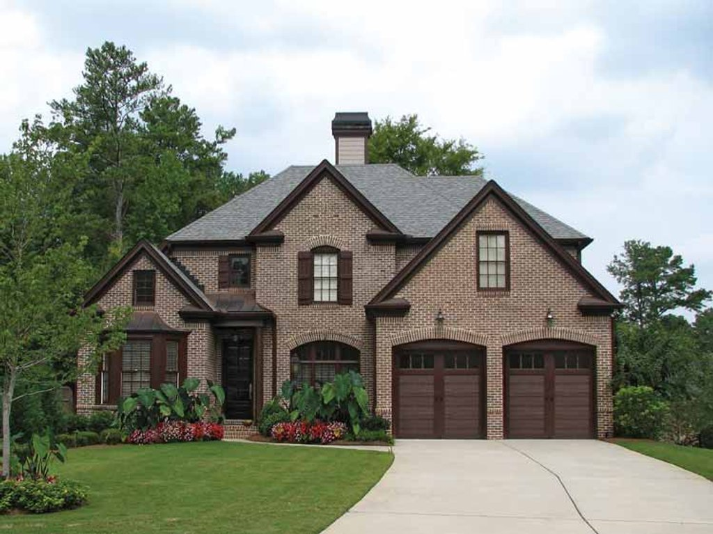 European style house plan 4 beds 3 5 baths 3149 sq ft European farmhouse plans