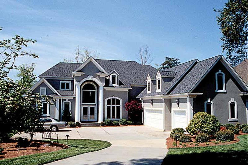House Plan Design - Mediterranean Exterior - Front Elevation Plan #453-186