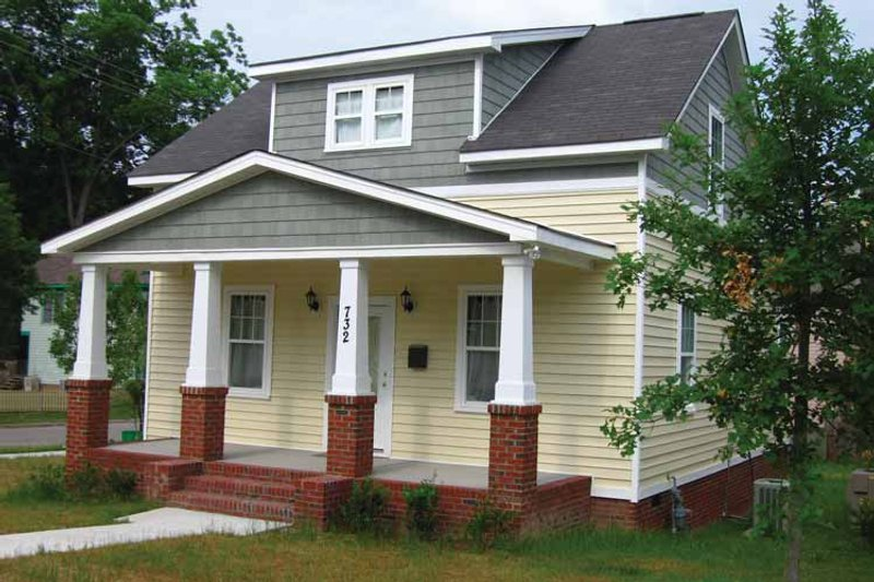 House Plan Design - Craftsman Exterior - Front Elevation Plan #936-11