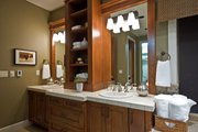 Craftsman Style House Plan - 3 Beds 3.5 Baths 4090 Sq/Ft Plan #124-753 Interior - Bathroom