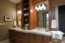Craftsman Interior - Bathroom Plan #124-753
