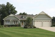 Craftsman Style House Plan - 4 Beds 3.5 Baths 2582 Sq/Ft Plan #928-122 Exterior - Front Elevation