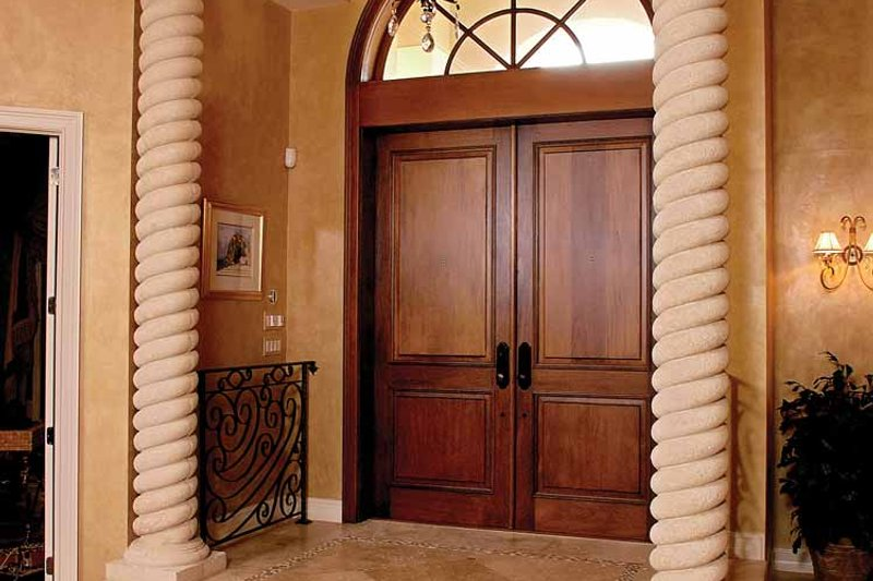 Mediterranean Interior - Entry Plan #1017-2 - Houseplans.com