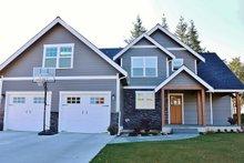 Dream House Plan - Craftsman Exterior - Front Elevation Plan #1070-13