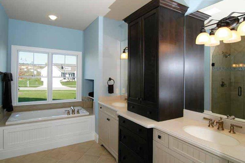 Craftsman Interior - Master Bathroom Plan #928-91 - Houseplans.com