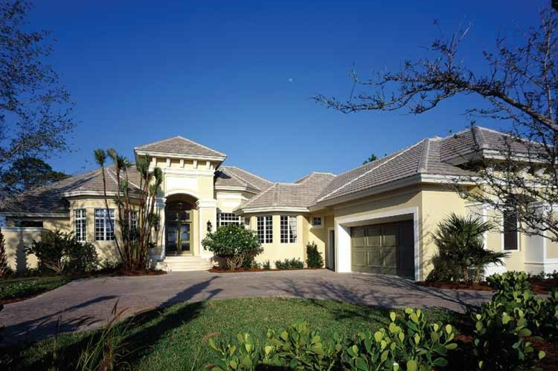 Mediterranean Exterior - Front Elevation Plan #930-312 - Houseplans.com