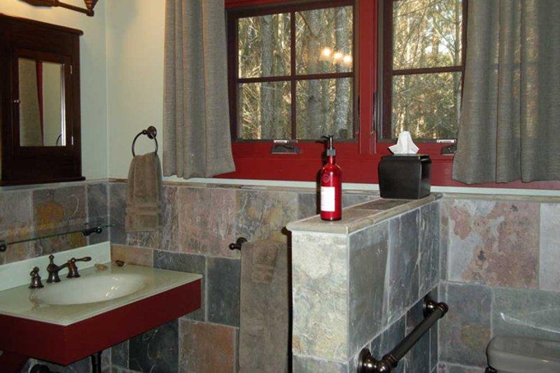 Country Interior - Master Bathroom Plan #942-27 - Houseplans.com