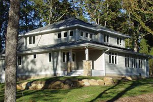 Architectural House Design - Craftsman Exterior - Front Elevation Plan #939-5