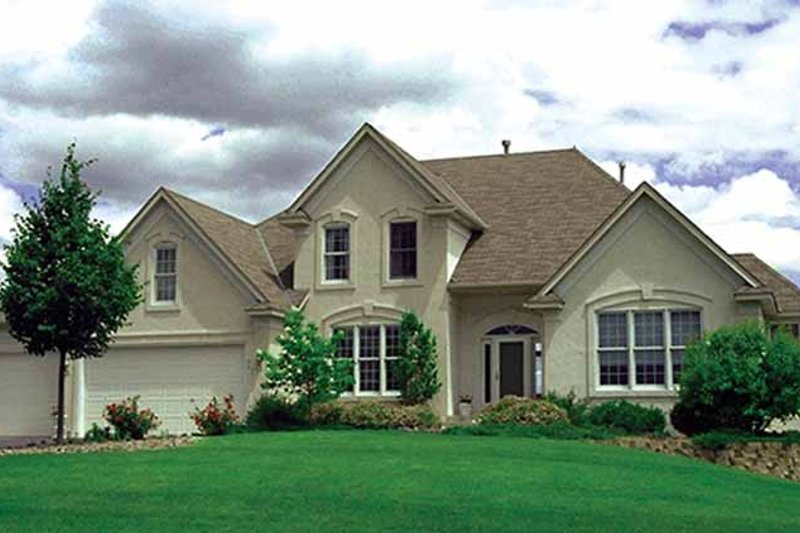 Dream House Plan - Traditional Exterior - Front Elevation Plan #51-897