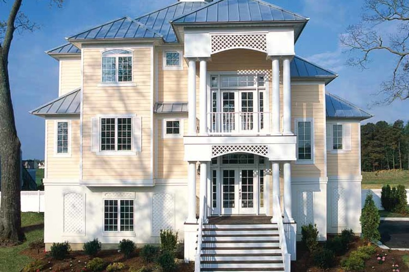 Traditional Exterior - Front Elevation Plan #930-121 - Houseplans.com