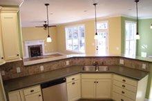 Craftsman Interior - Kitchen Plan #927-935