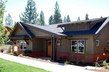 Home Plan - Bungalow Exterior - Front Elevation Plan #434-1