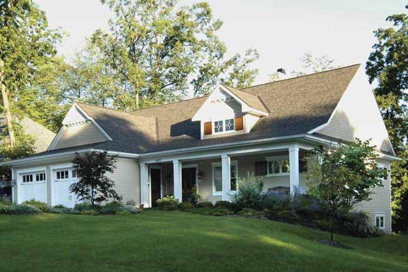 Craftsman Exterior - Front Elevation Plan #928-81