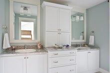 Traditional Interior - Bathroom Plan #928-271